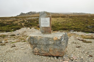 Memorial,_Stanley_Road,_Falkland_Islands