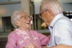 Older_people_dancing